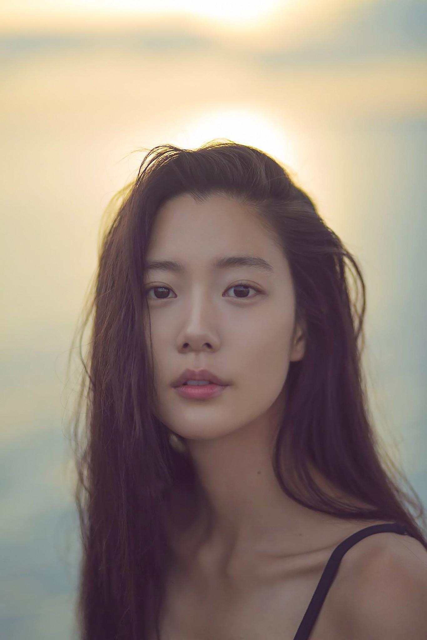Mĩ nhân Clara Lee: Bom sex thế hệ mới xứ Hàn và cái kết trong mơ cùng chồng tỉ phú - Ảnh 1.