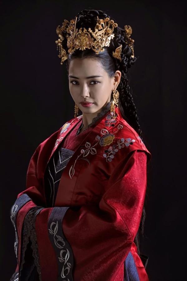 Cuộc sống của Hoa hậu Hàn Quốc: Người hạnh phúc viên mãn, kẻ không dám ra đường vì bê bối sex tập thể - Ảnh 11.
