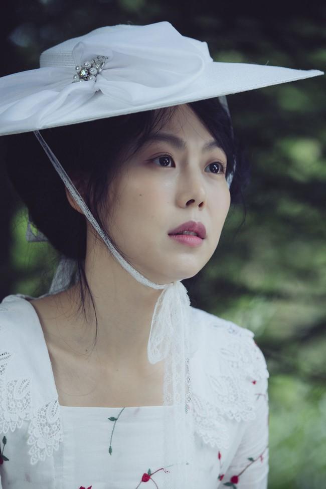 Diễn viên Kim Min Hee: Ảnh hậu quyến rũ bị công chúng ghét bỏ vì ồn ào cướp chồng - Ảnh 11.