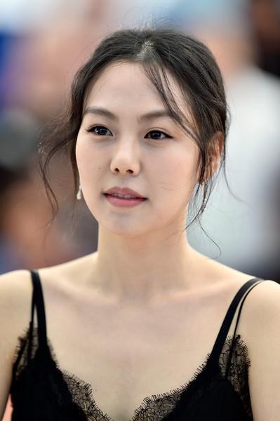 Diễn viên Kim Min Hee: Ảnh hậu quyến rũ bị công chúng ghét bỏ vì ồn ào cướp chồng - Ảnh 13.