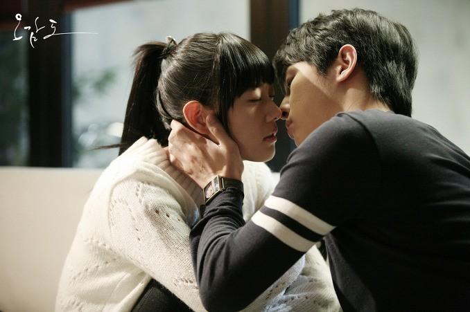 Mĩ nhân Clara Lee: Bom sex thế hệ mới xứ Hàn và cái kết trong mơ cùng chồng tỉ phú - Ảnh 2.