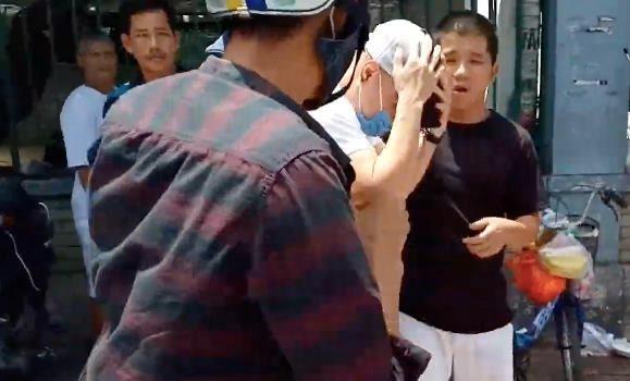 Lê Dương Bảo Lâm bị đánh giữa phố - Ảnh 2.