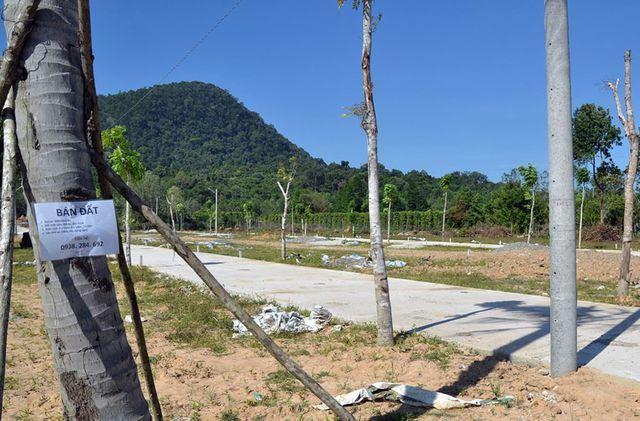 Ngậm đắng vì rót tiền dự án ma; Bộ muốn cấm chiêu núp bóng mua đất hộ người Trung Quốc - Ảnh 2.