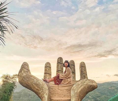 Bàn tay vàng trong làng sống ảo đẹp mê mẩn giữa rừng - Ảnh 2.