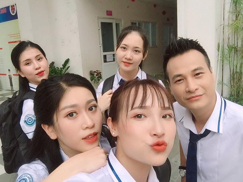 Đạo diễn Nguyễn Love sẽ cắt hết cảnh có diễn viên khỏa thân dưới hồ sen tham gia - Ảnh 3.