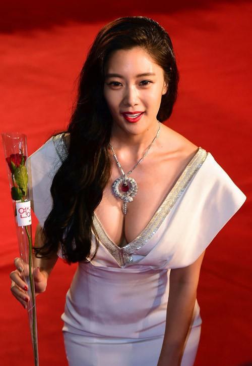 Mĩ nhân Clara Lee: Bom sex thế hệ mới xứ Hàn và cái kết trong mơ cùng chồng tỉ phú - Ảnh 9.