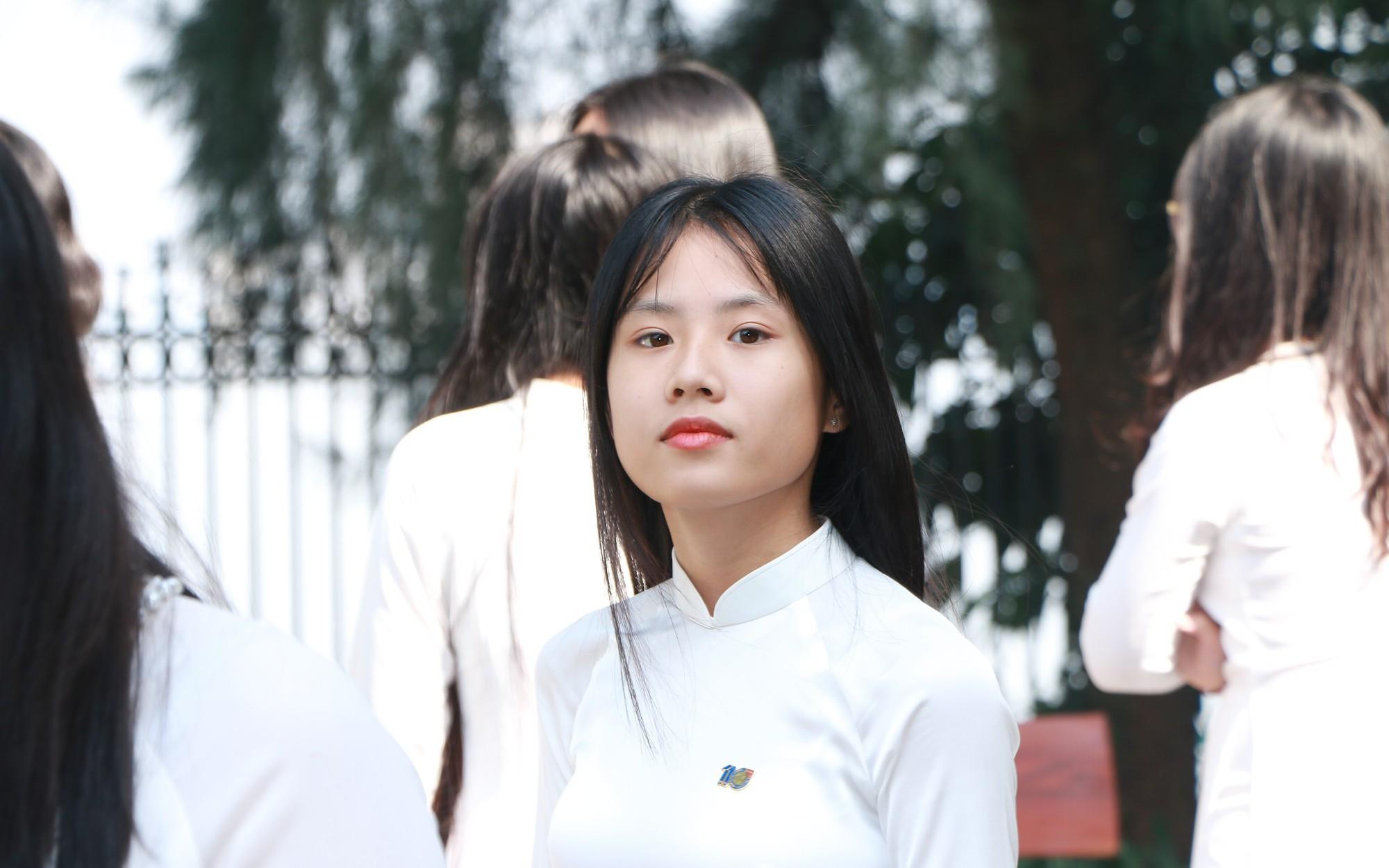 Đề thi vào lớp 10 chuyên môn Địa lí năm 2019 tỉnh Nghệ An