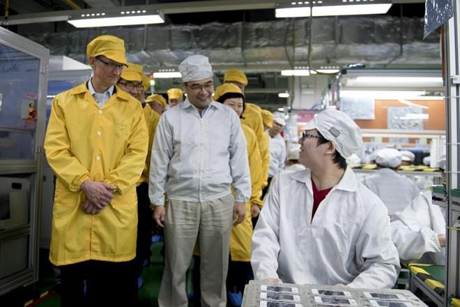 Cam kết gắn bó với iPhone, Foxconn sẵn sàng rời Trung Quốc - Ảnh 2.