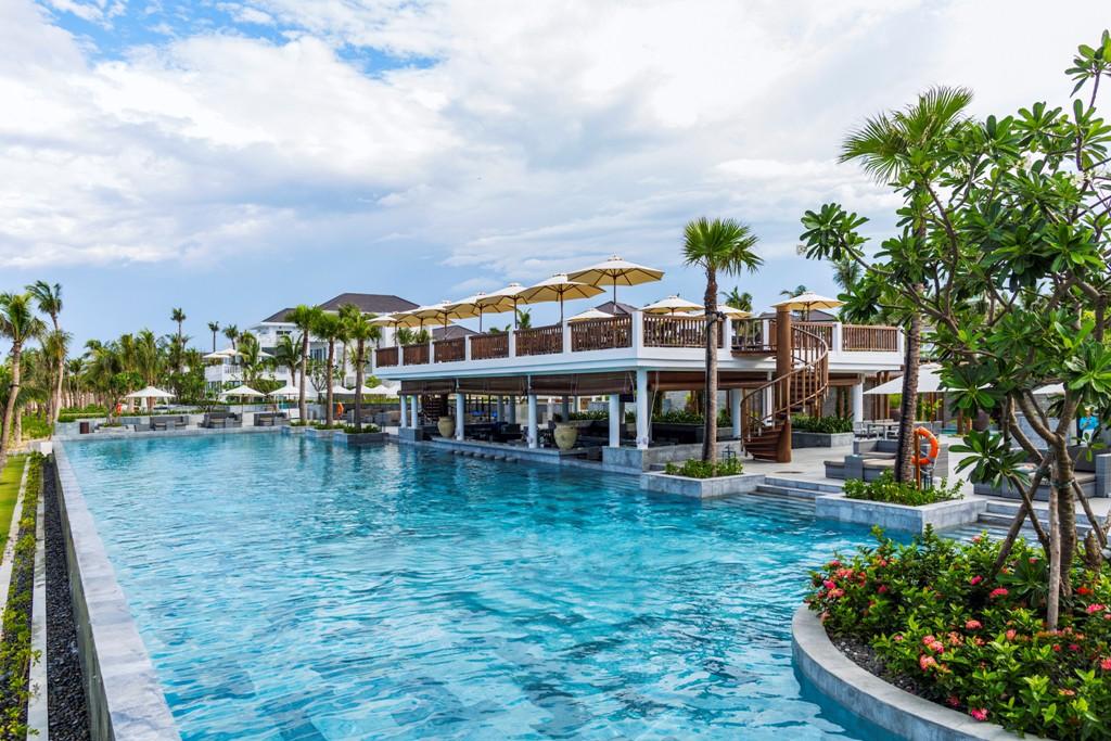 danang-village-premier-resort---nautica-beach-club_17960492230_o