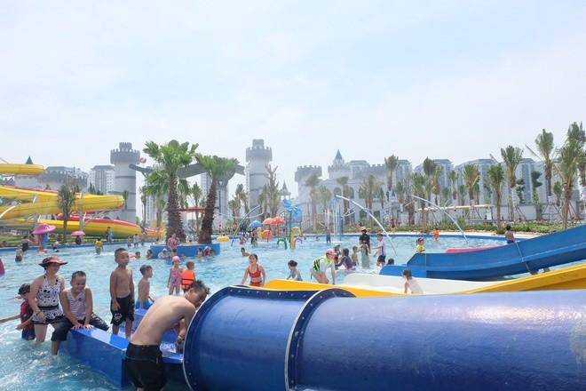 Công viên nước Thanh Hà nhận không ít review 'thậm tệ' của cư dân mạng sau 3 ngày chính thức mở cửa  - Ảnh 2.