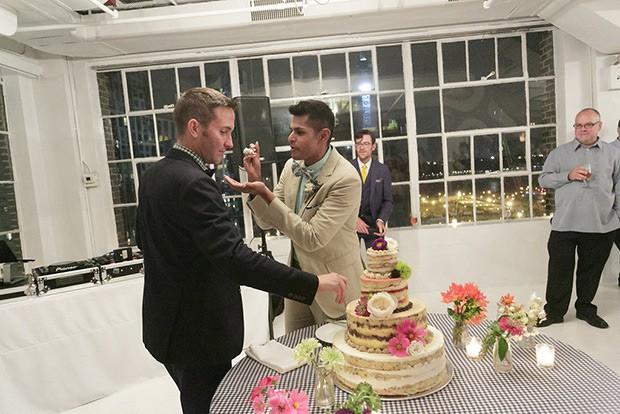 Stylish-and-Hip-Weddings-Immy-and-Whitneys-stylish-new-york-wedding-200-79