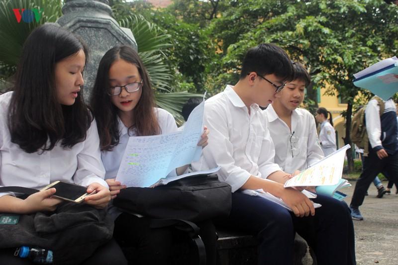 Hôm nay Hà Nội chính thức công bố điểm thi vào lớp 10 năm 2019 - Ảnh 1.