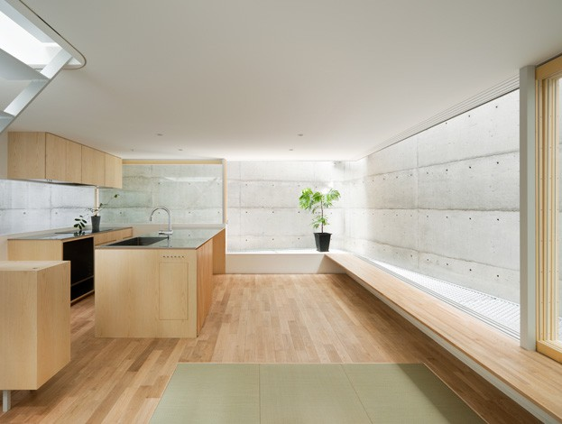 house-in-minamimachi-more-with-less-minimalist-architecture-magazine