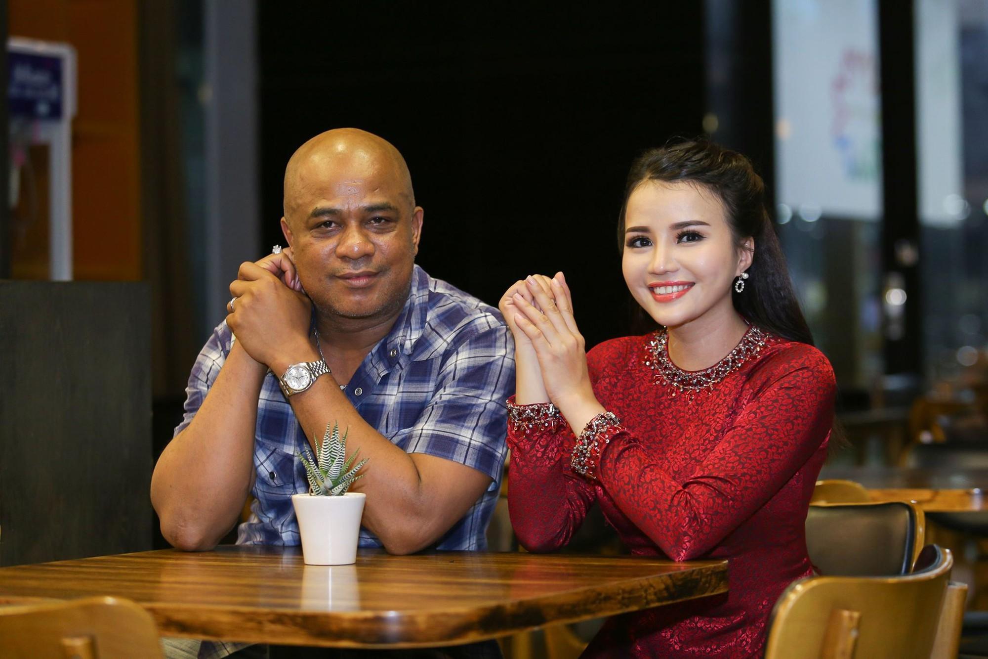 Thẩm Thuý Hà và Randy