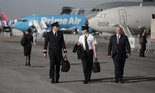 CEO Boeing: Thế giới cần 800.000 phi công trong hai thập kỷ tới - Ảnh 1.