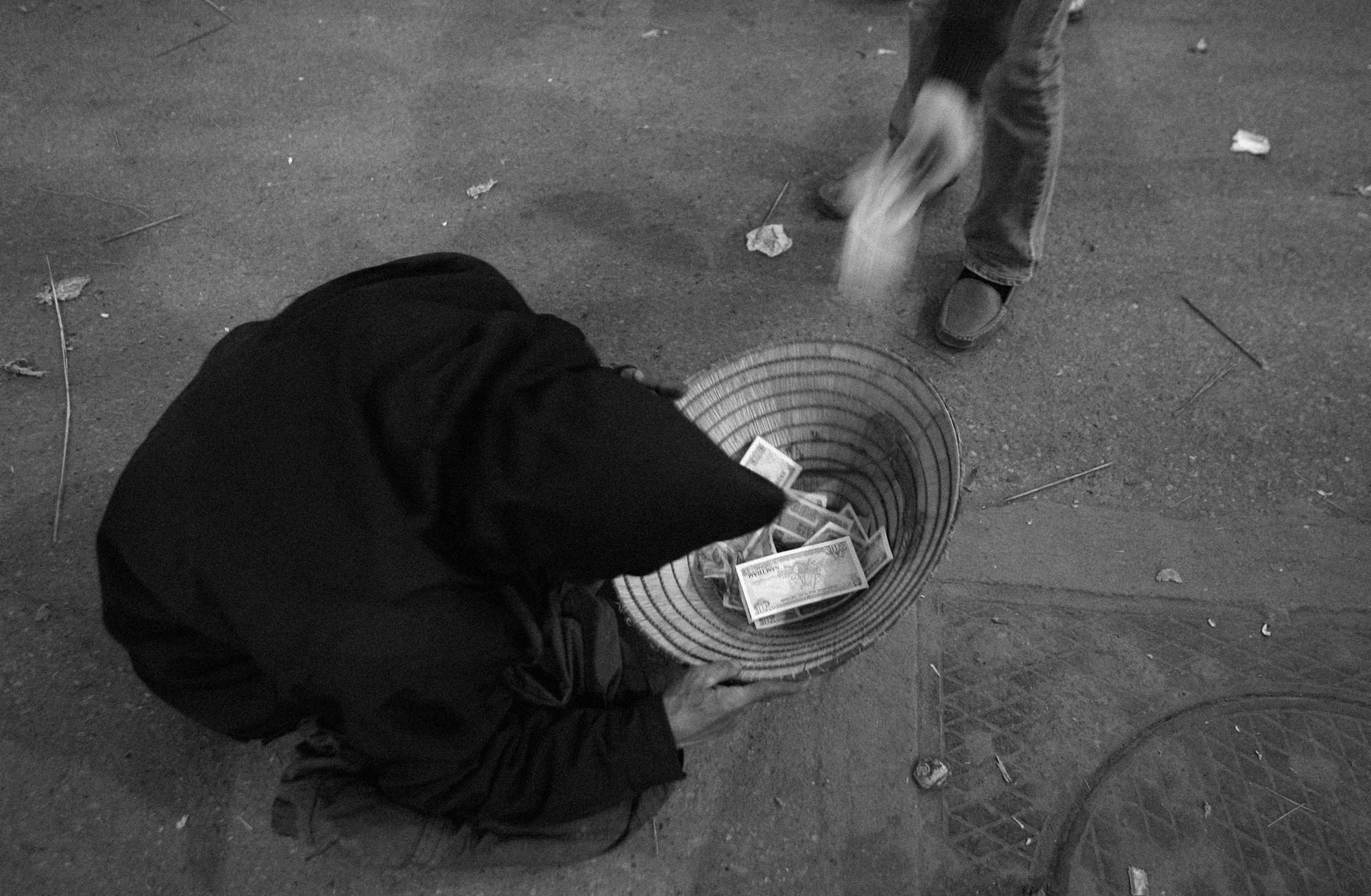 Chăn dắt ăn xin: Cuộc bóc lột siêu lợi nhuận - Ảnh 8.