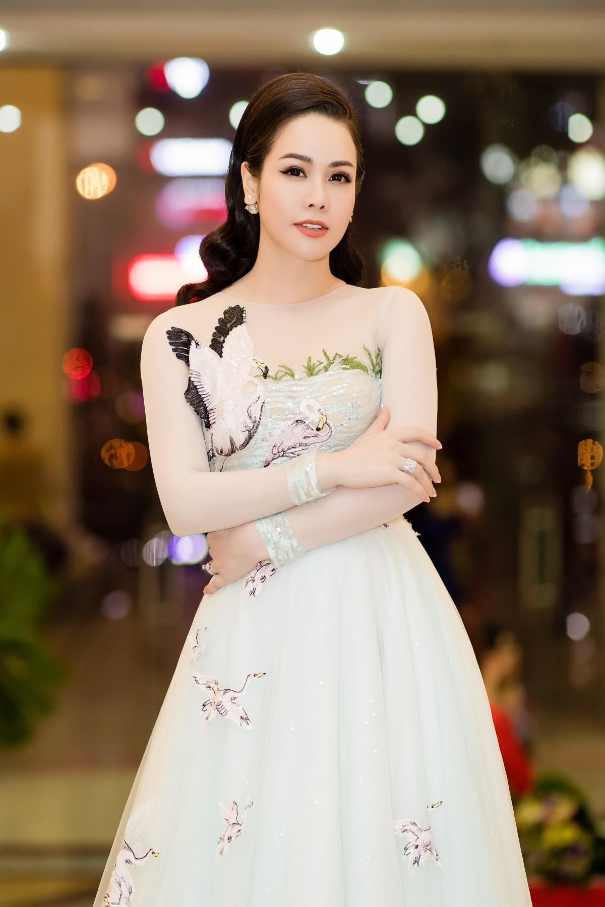 Nỗi khổ không được gặp con của Nhật Kim Anh sau 3 năm li hôn chồng cũ - Ảnh 2.
