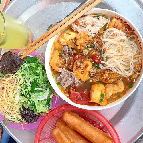 Những quán ăn ngon trên đường từ Hà Nội đi Hạ Long - Ảnh 1.