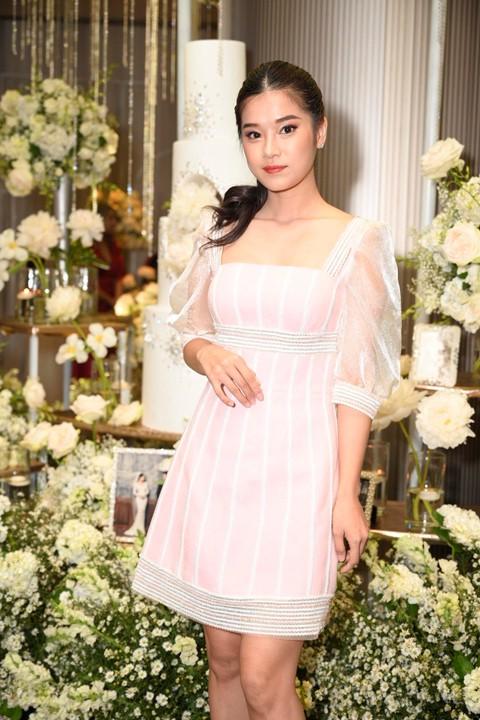 Trấn Thành cùng dàn sao dự tiệc cưới của Dương Khắc Linh và Sara Lưu - Ảnh 10.