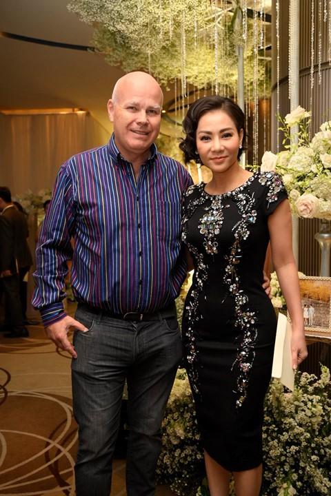 Trấn Thành cùng dàn sao dự tiệc cưới của Dương Khắc Linh và Sara Lưu - Ảnh 13.