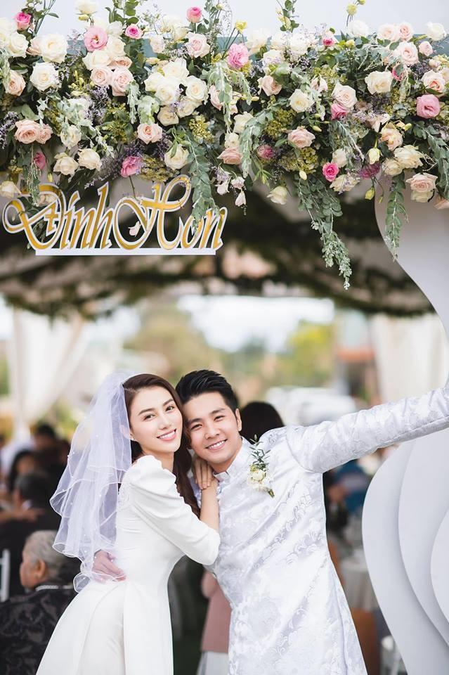 Showbiz Việt nửa đầu năm 2019: Người điều trị bệnh thành công, Hoa hậu quốc dân hứa hẹn tái xuất - Ảnh 9.