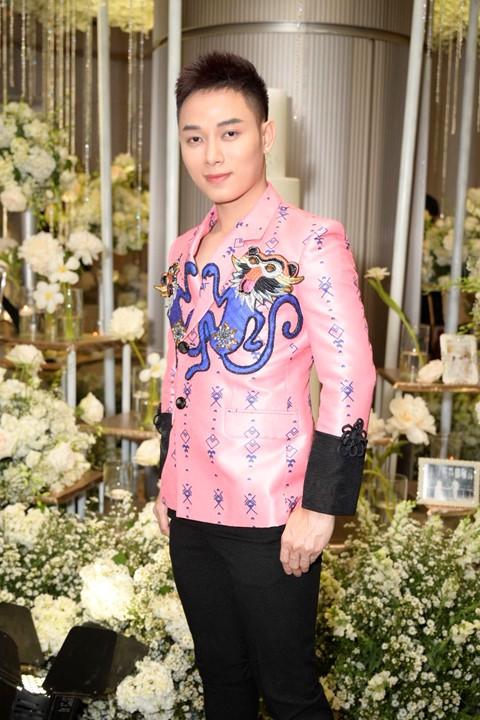 Trấn Thành cùng dàn sao dự tiệc cưới của Dương Khắc Linh và Sara Lưu - Ảnh 19.