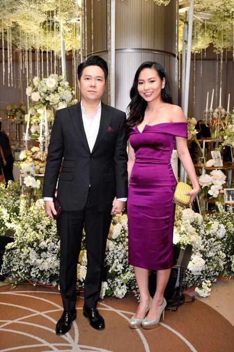 Trấn Thành cùng dàn sao dự tiệc cưới của Dương Khắc Linh và Sara Lưu - Ảnh 5.