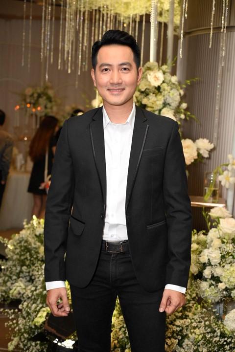 Trấn Thành cùng dàn sao dự tiệc cưới của Dương Khắc Linh và Sara Lưu - Ảnh 9.