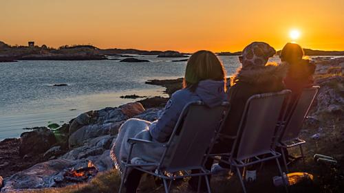 Hòn đảo Na Uy muốn trở thành nơi đầu tiên không có thời gian - Ảnh 2.