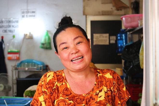Gỏi cuốn bà Phương có gì mà người Sài Gòn ăn hơn 1.000 cuốn mỗi ngày - Ảnh 4.