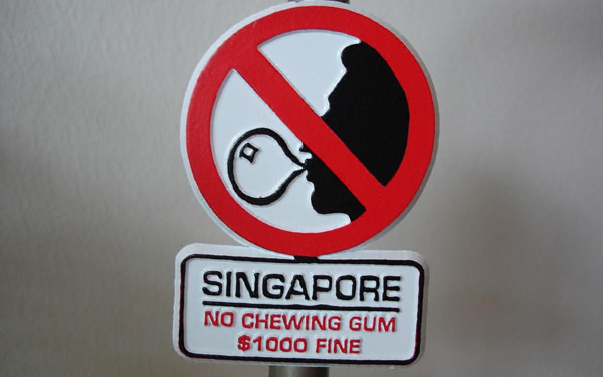 2606_vi_sao_singapore_cam_ban_keo_cao_su