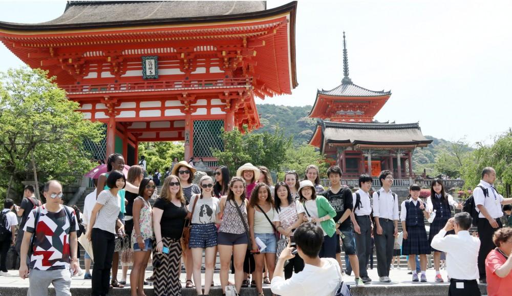 Nhật Bản 'hốt bạc' của du khách nước ngoài nhờ… du lịch nông thôn - Ảnh 2.