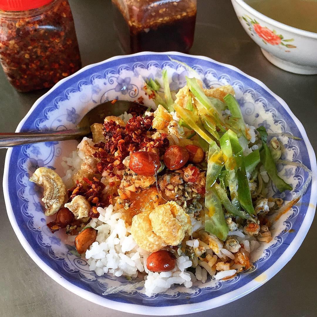 Huế_Cơm hến_ gogofindfood