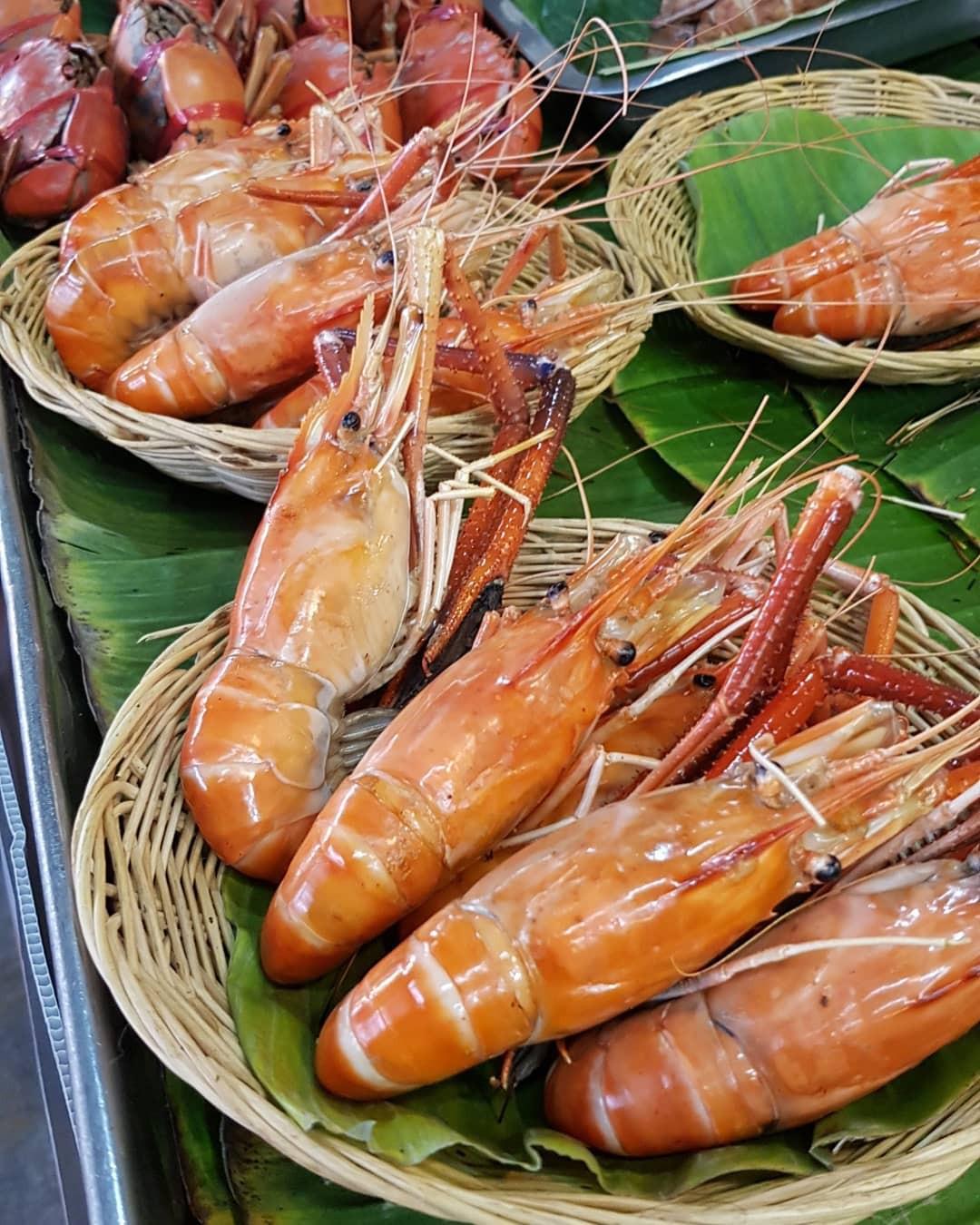 Chơi quên lối về tại những khu chợ nổi nhất định phải ghé ở Bangkok - Ảnh 10.