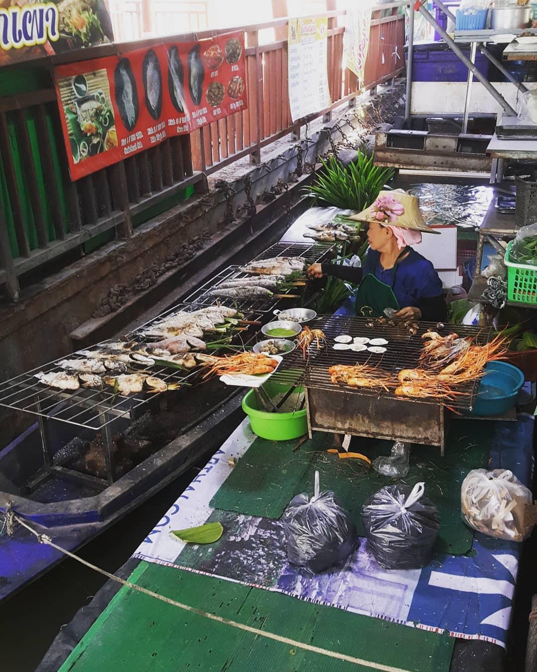 Chơi quên lối về tại những khu chợ nổi nhất định phải ghé ở Bangkok - Ảnh 20.