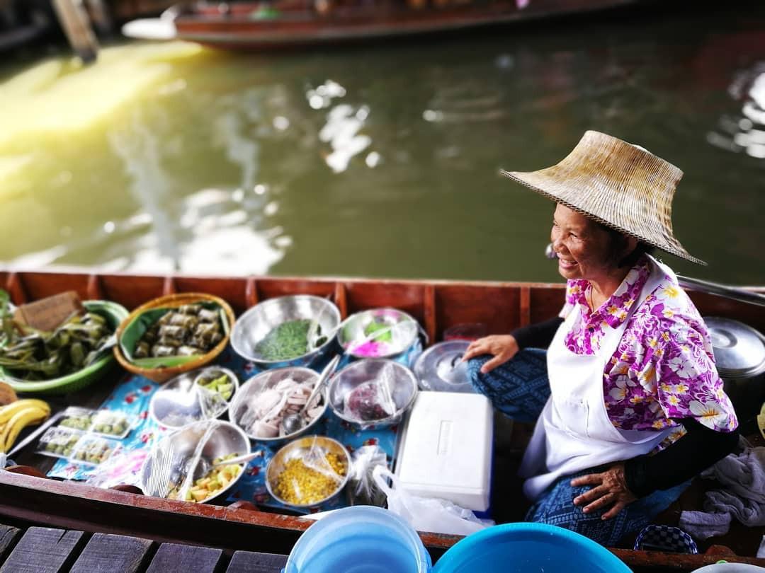 Chơi quên lối về tại những khu chợ nổi nhất định phải ghé ở Bangkok - Ảnh 21.