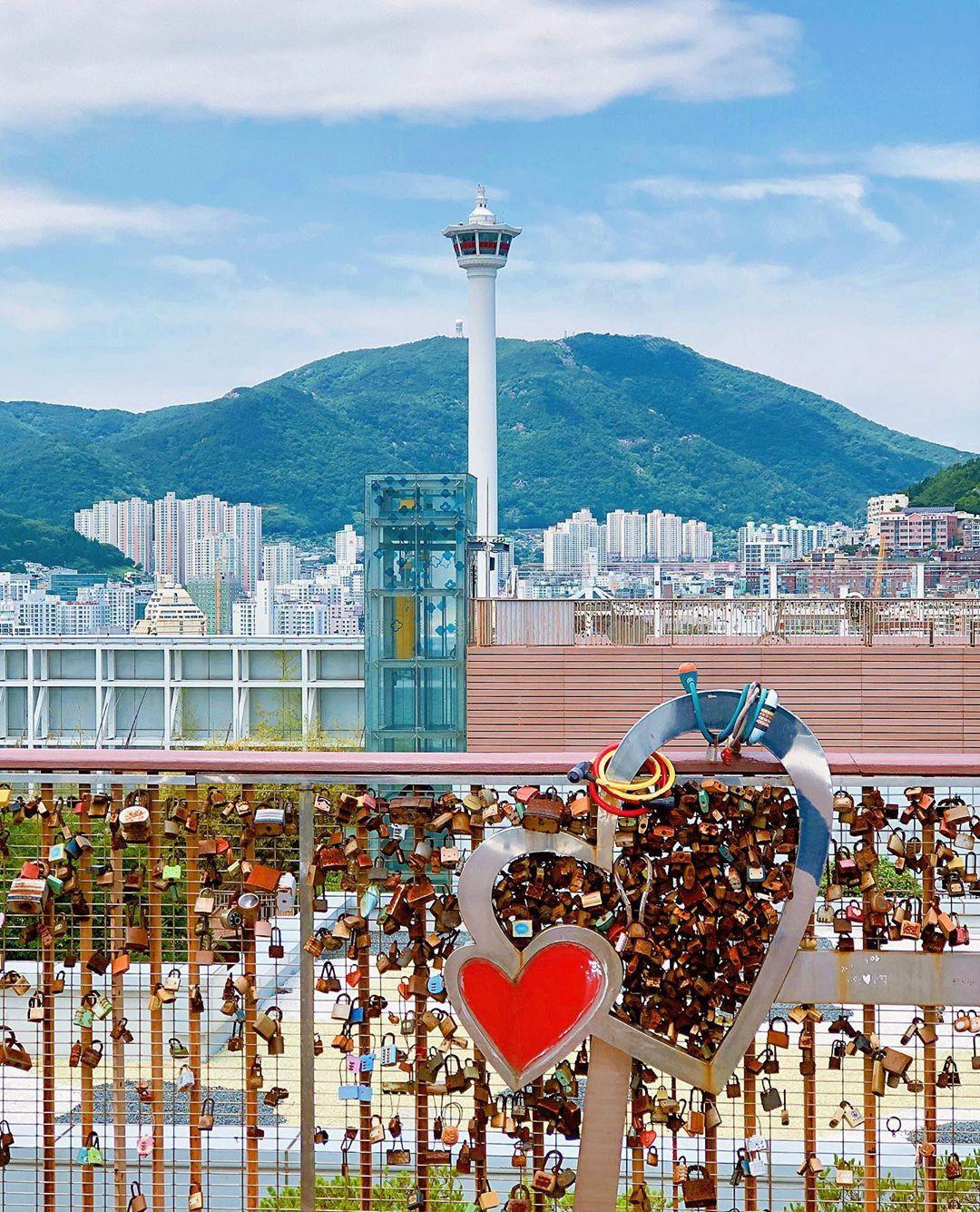 Mê mệt với những điểm đến hút khách du lịch bậc nhất Busan - Ảnh 27.