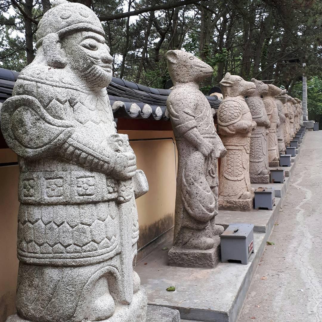 Mê mệt với những điểm đến hút khách du lịch bậc nhất Busan - Ảnh 32.