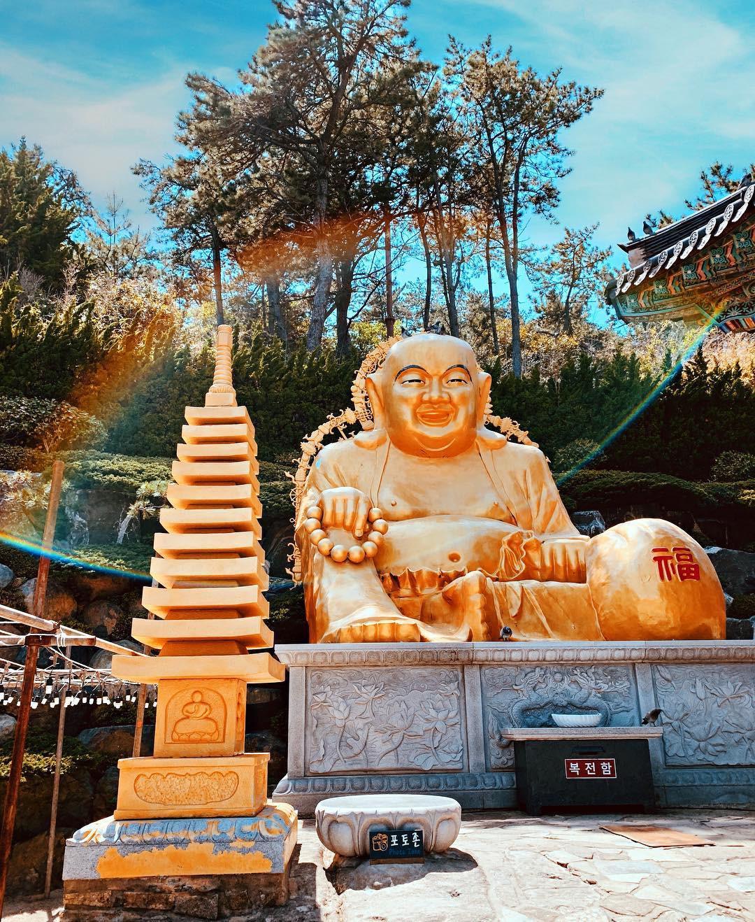 Mê mệt với những điểm đến hút khách du lịch bậc nhất Busan - Ảnh 33.