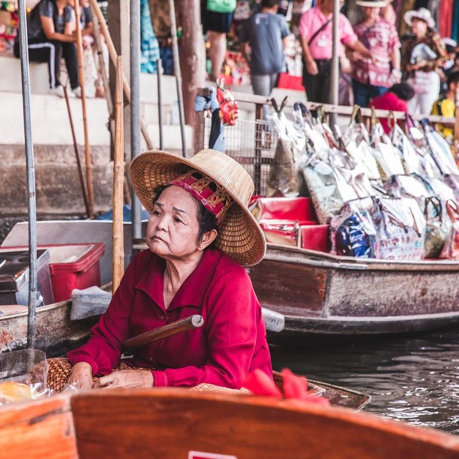 Chơi quên lối về tại những khu chợ nổi nhất định phải ghé ở Bangkok - Ảnh 4.