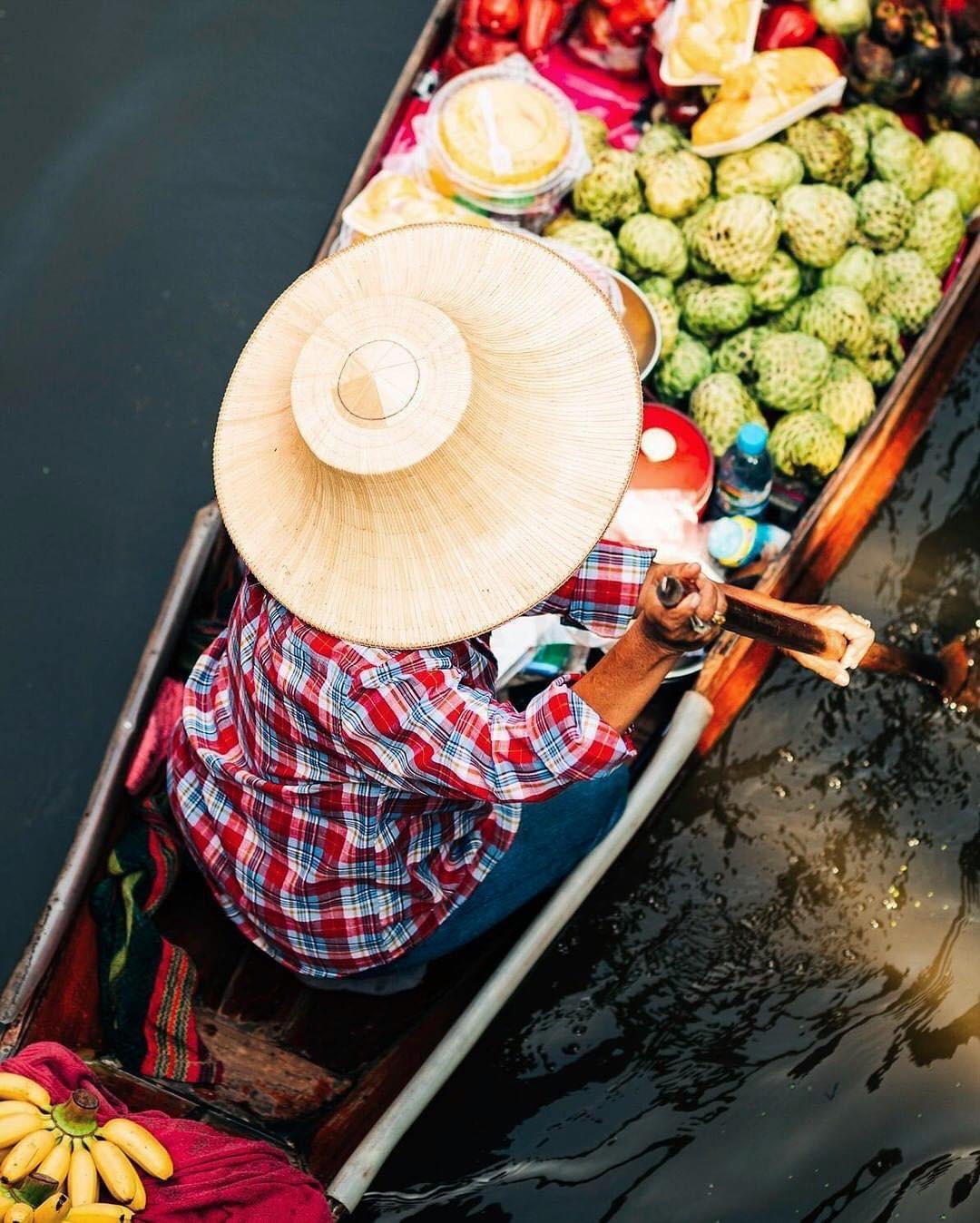 Chơi quên lối về tại những khu chợ nổi nhất định phải ghé ở Bangkok - Ảnh 8.