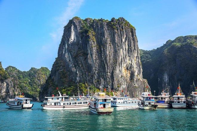Vịnh Hạ Long vào top 5 điểm đến hấp dẫn nhất châu Á - Ảnh 1.