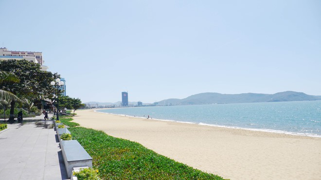 'Bứng' 3 khách sạn ngàn tỉ ven biển Quy Nhơn: Người dân hân hoan - Ảnh 2.
