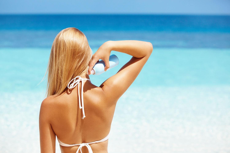 5 vật dụng chống nắng nóng tối ưu, tránh kiệt sức khi đi du lịch - Ảnh 1.