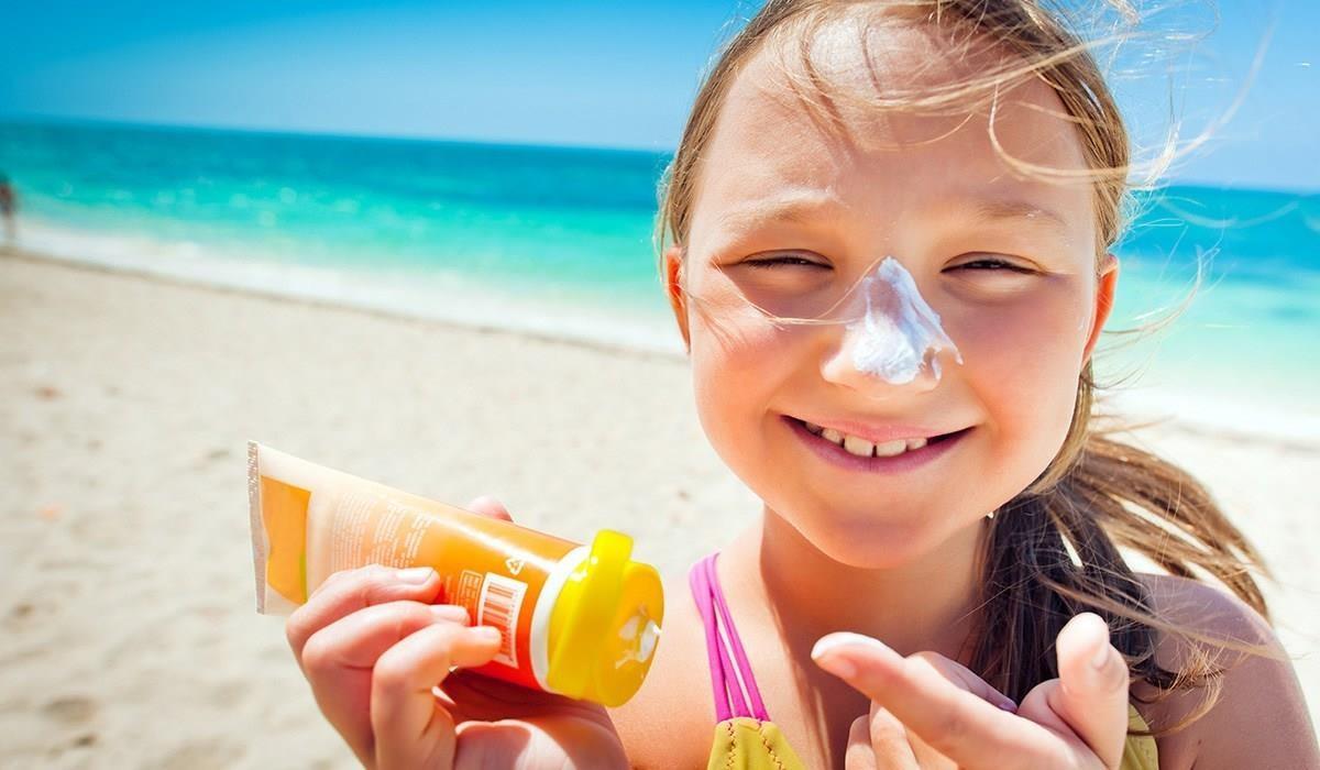 5 vật dụng chống nắng nóng tối ưu, tránh kiệt sức khi đi du lịch - Ảnh 2.