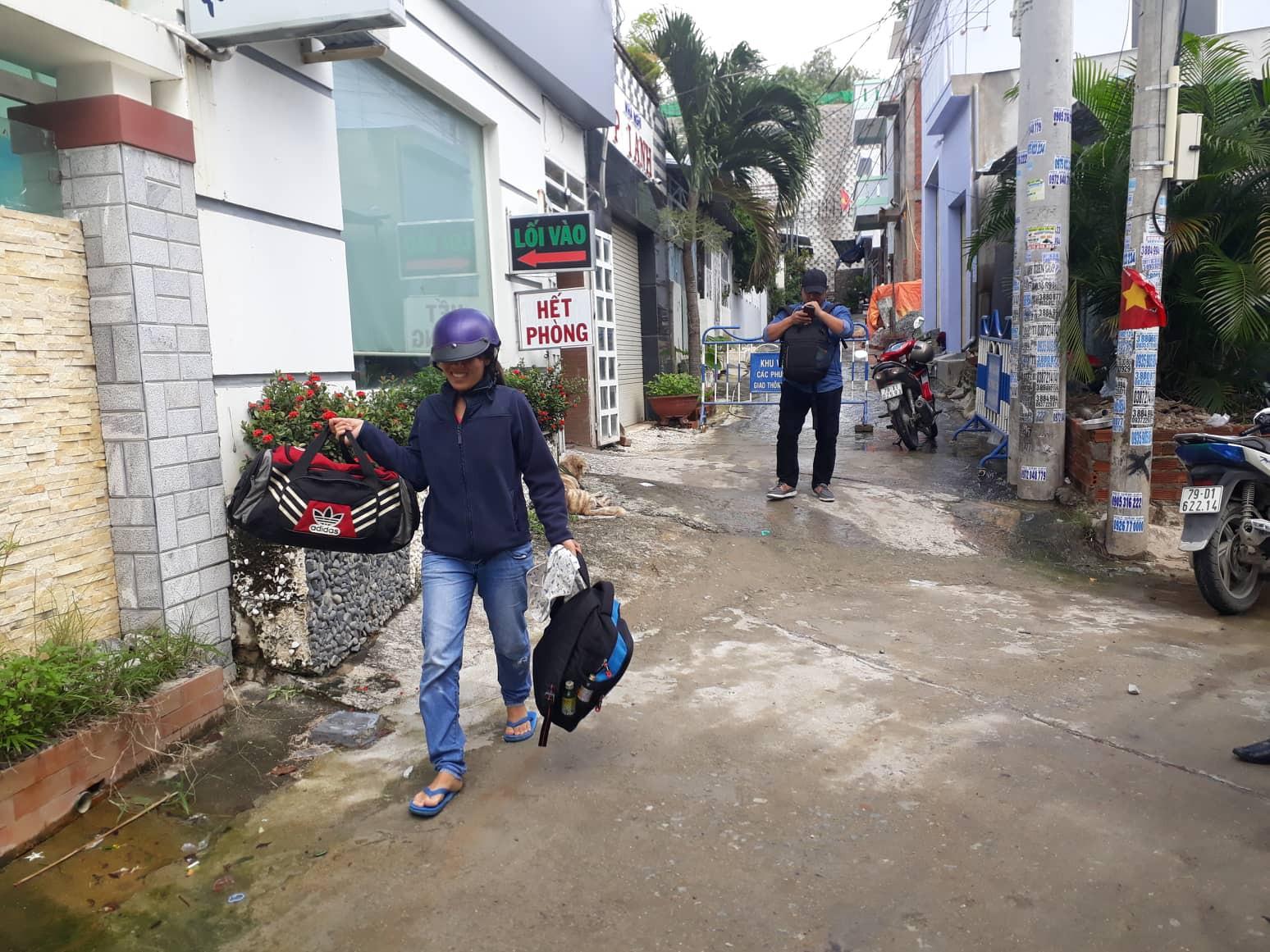 Khánh Hòa lên phương án tháo dỡ tường chắn dự án Marina Hill uy hiếp nhà dân - Ảnh 4.