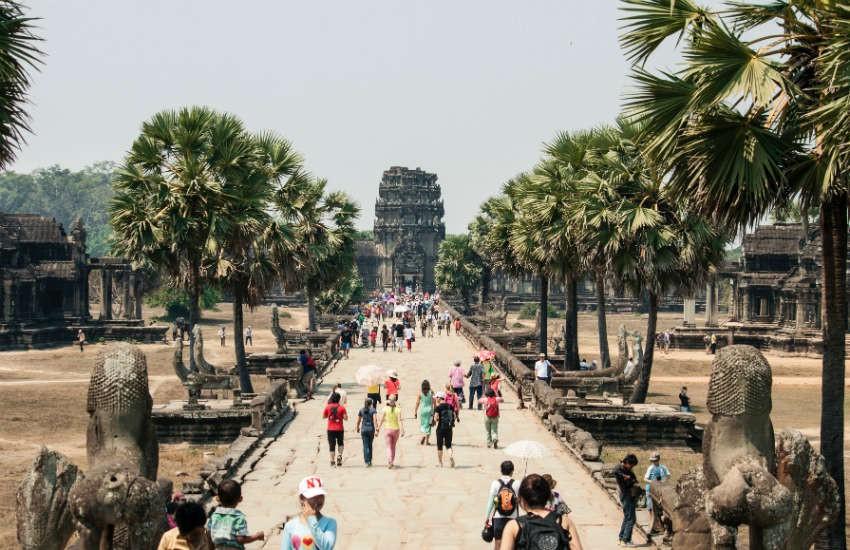 Việt Nam nằm trong danh sách 6 quốc gia - nơi người LGBTI có thể tự do đi du lịch  - Ảnh 4.