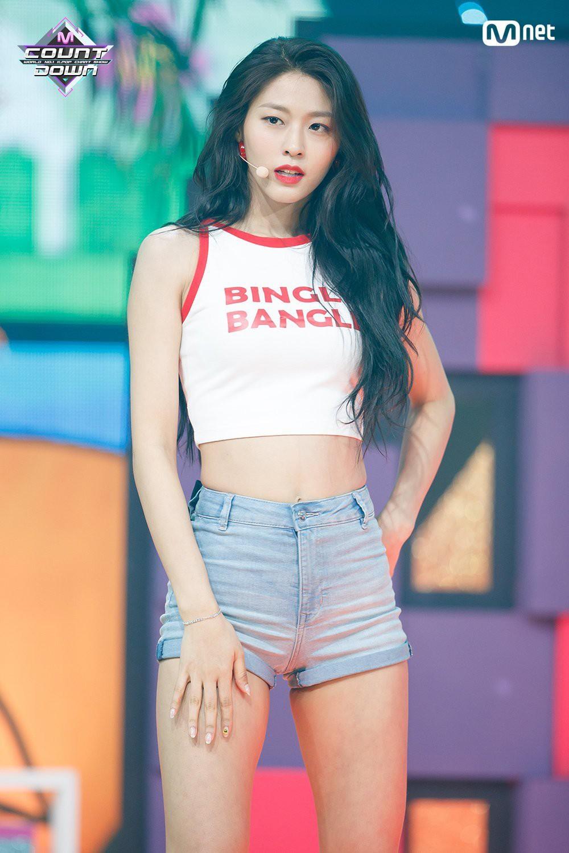 Những mĩ nhân Kpop sở hữu thân hình siêu nóng bỏng khiến fan muốn giảm cân đón hè ngay tức khắc - Ảnh 18.