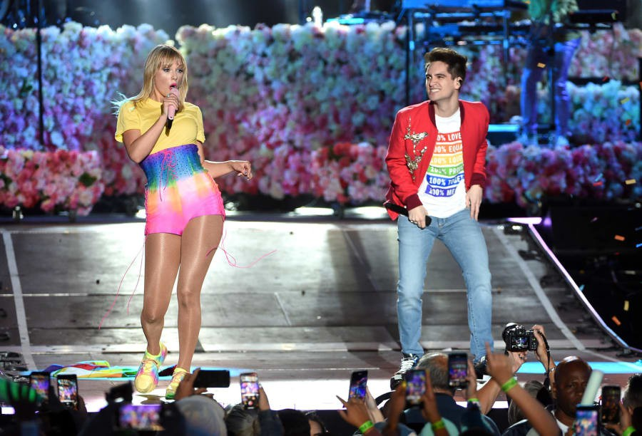 Taylor Swift khởi động Tháng Tự hào LGBT bằng việc đưa ra một bản kiến nghị khiến fan vô cùng cảm kích - Ảnh 5.
