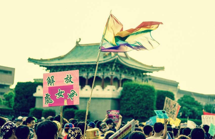 Việt Nam nằm trong danh sách 6 quốc gia - nơi người LGBTI có thể tự do đi du lịch  - Ảnh 1.